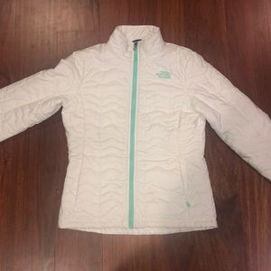 Women's The North Face Waterproof Jacket - Small